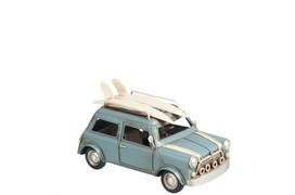 Auto met surfplank